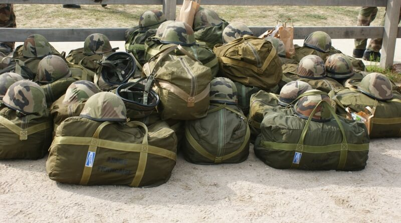 military-713187_1280